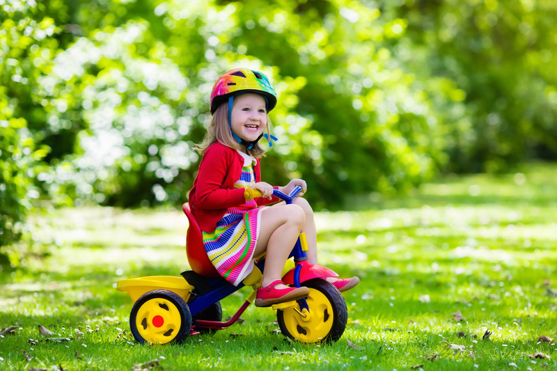 how to teach a toddler to ride a tricycle